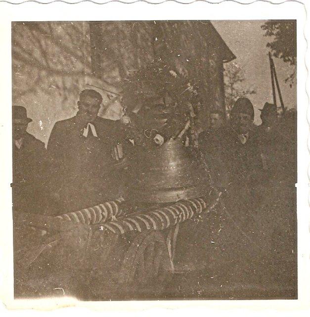 Dvorniky 1946 zvony 6